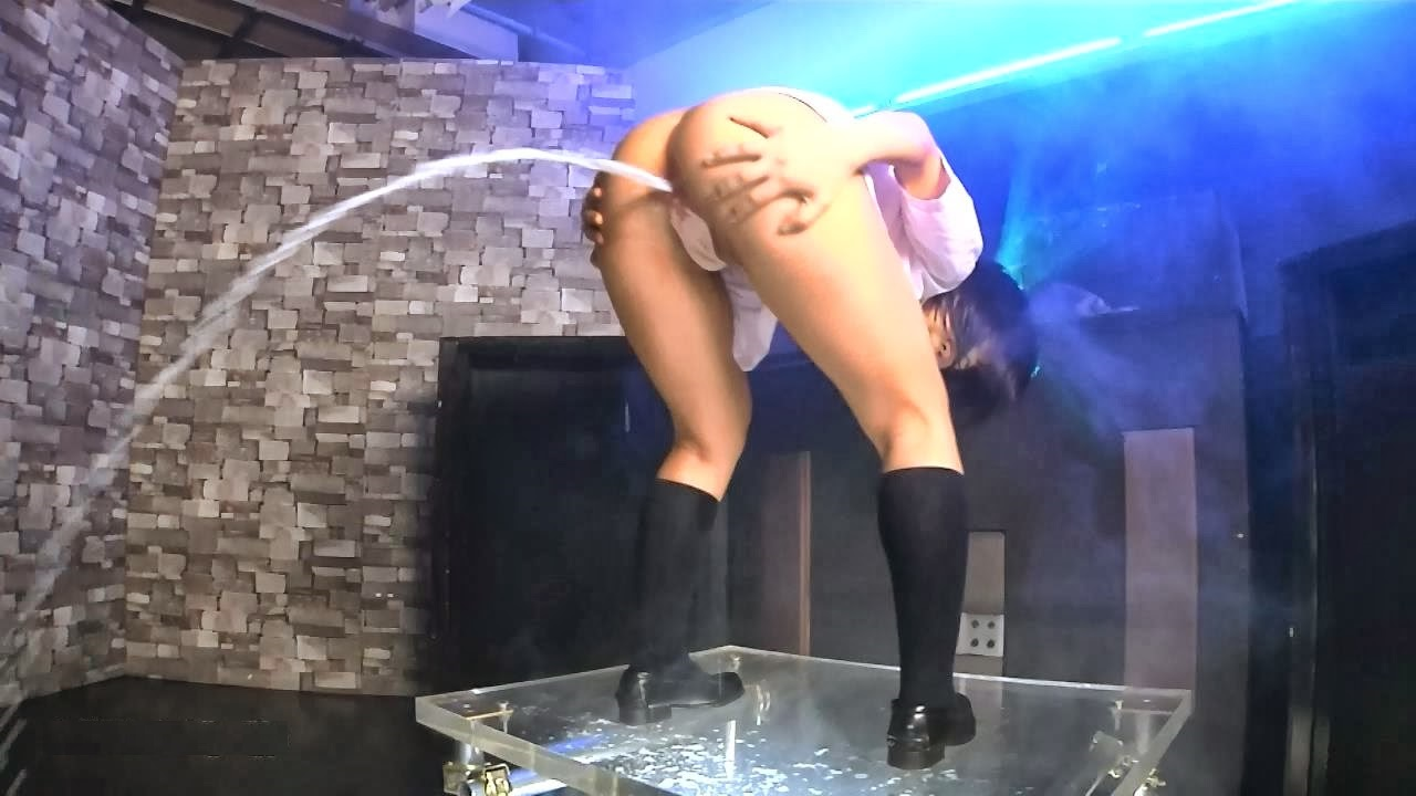BFHD-18 Two schoolgirl beauties dancing before enema release (HD 720p)