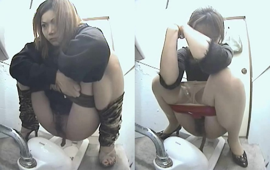 asian pissing toilet porn