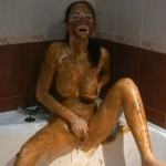 [Special #110] Russian girl covered feces masturbated in bath. (HD 1080p)