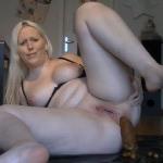 [Special #113] Cute woman shitting big turd. (HD 1080p)