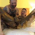 [Special #114] Smeared shit couple masturbation on bed. (HD 1080p)