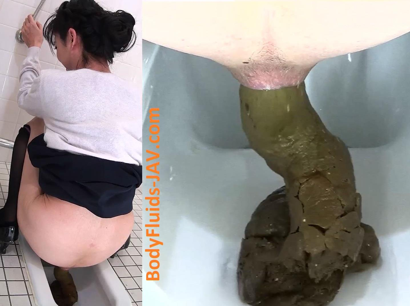Girls pooping voyeur toilet