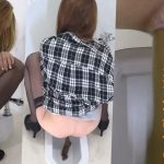 BFFF-158 Filming girls defecation in public toilet on spy camera. (HD 1080p)