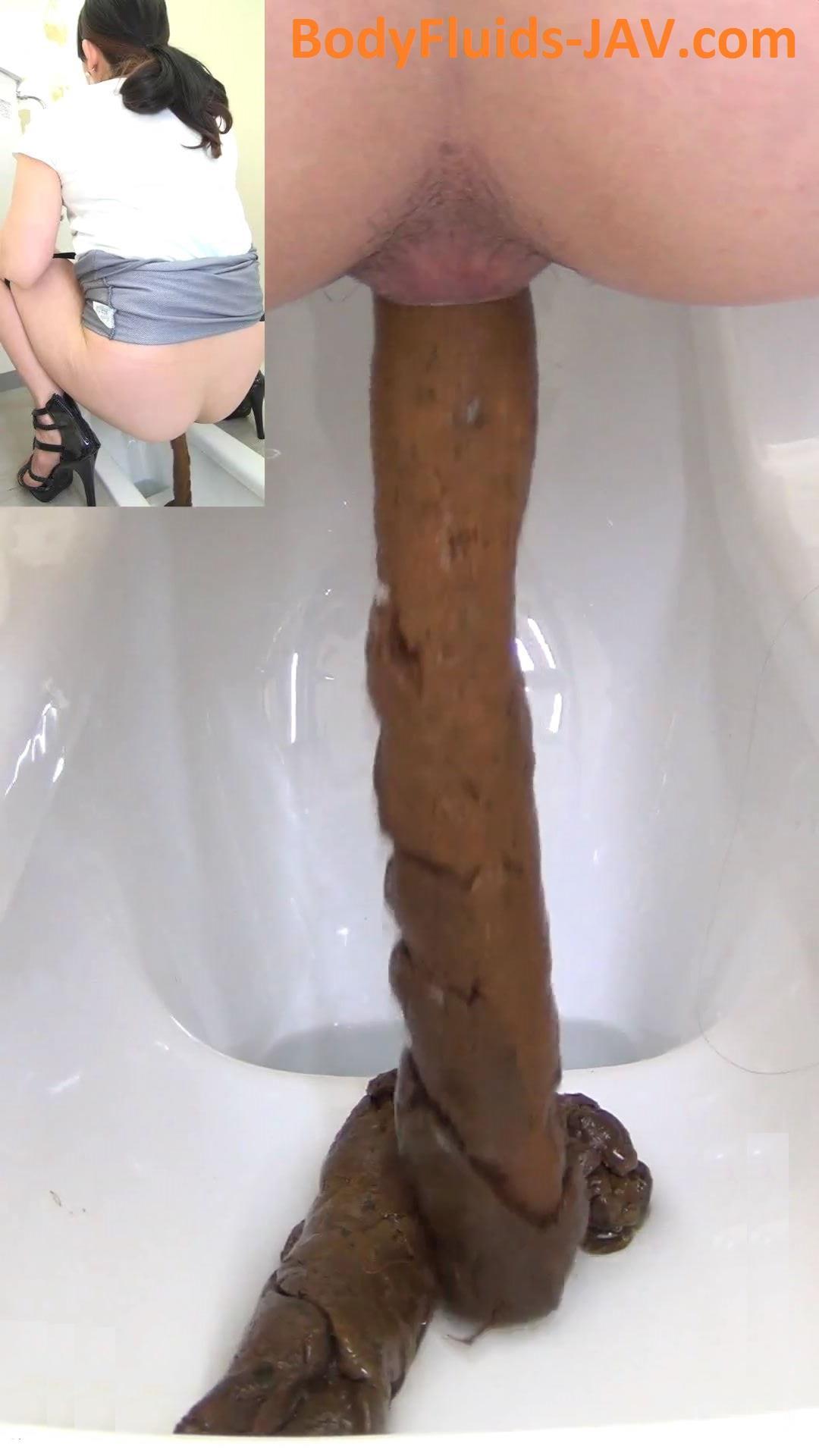 Japan girls pooping